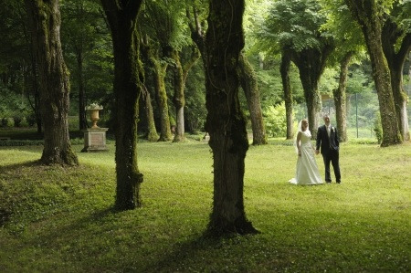forest wedding Anyone who has strolled along the Seine in Paris or visited