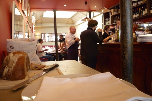 Hip paris blog le miroir authentic french bistro food for Restaurant miroir montmartre