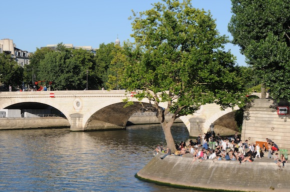 Summer Picnic in Paris: Ile St Louis