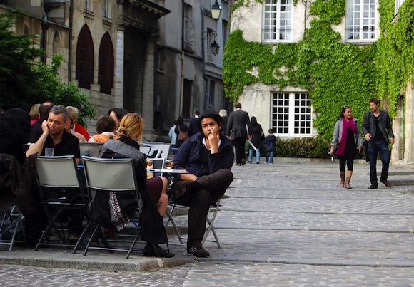 Paris Apero: cafe drinking scene outdoors