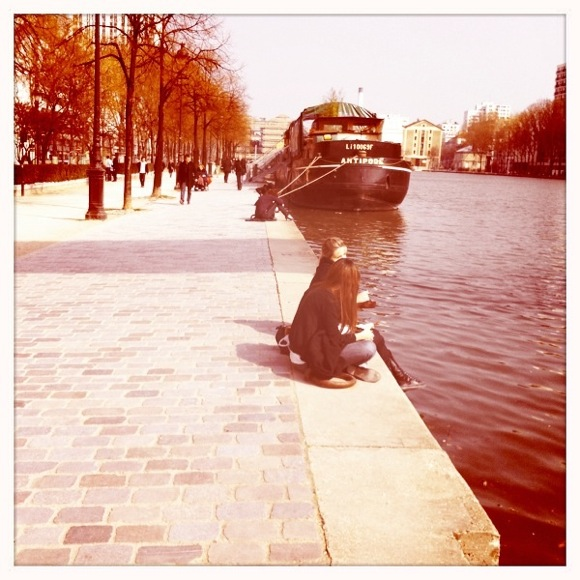 10 ways to spend a Sunday in Paris, including relaxing by the water on the Canal de l'Ourcq.