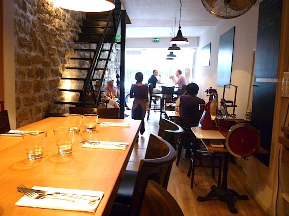 French Restaurant Etiquette Dining In France Like A Local Hip