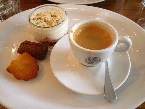 Hip paris blog french restaurant etiquette dining in for Restaurant miroir paris