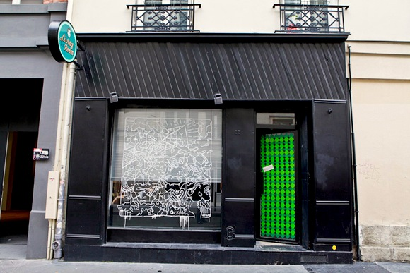 Finding A Hairdresser in Paris: Le Living Room Nails the ...