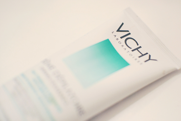 French Beauty Tips: 12 French Pharmacy beauty products from top French brands like Vichy.