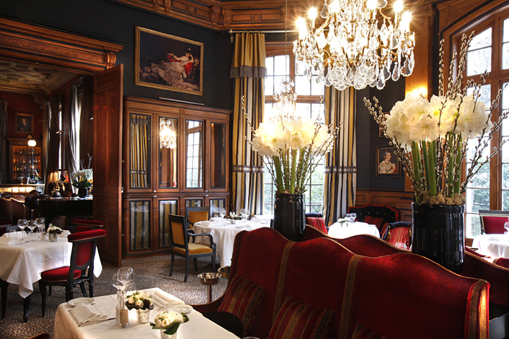 HiP Paris Blog, Forest Collins, Hotel St James, 5 Best Hotel Bars in Paris