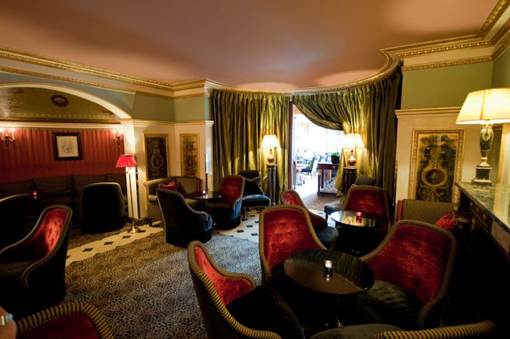 HiP Paris Blog, Forest Collins, L'Hotel, 5 Best Hotel Bars in Paris