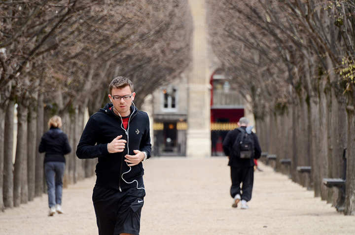 Jogging in Paris, HiP Paris Blog, Photo by Cosmic Smudge