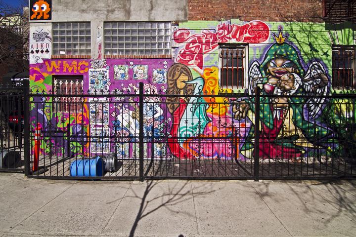 A Transatlantic Life: Williamsburg, Brooklyn vs  Ile St