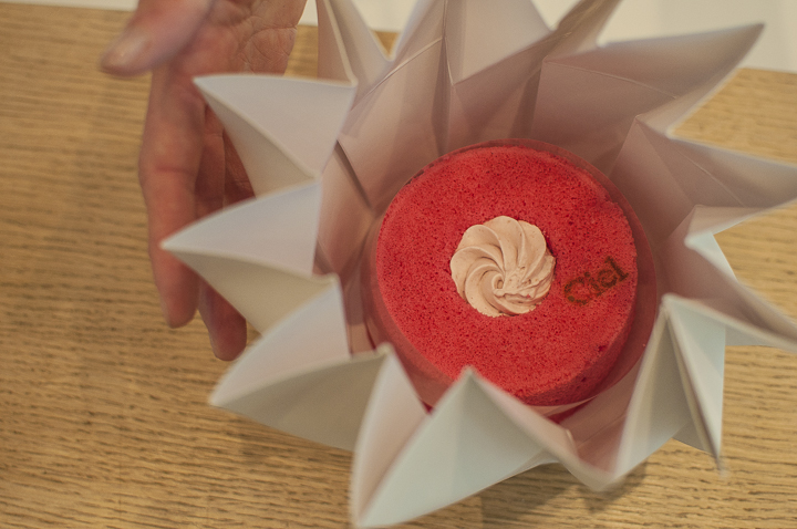 Japanese Pastries in Paris at Ciel bakery are beautiful and presented in origami boxes.
