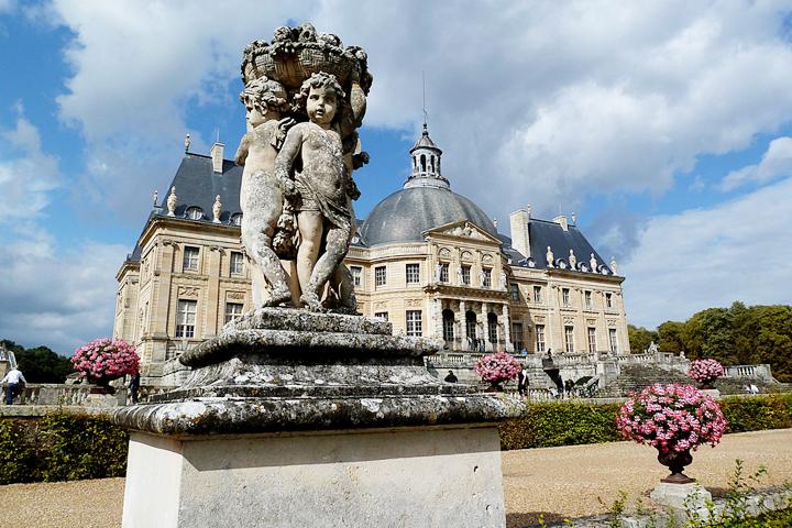 Paris in the Spring, Chateau de Vaux-le-Vicomte, HiP Paris Blog, Photo by Selden Vestrit