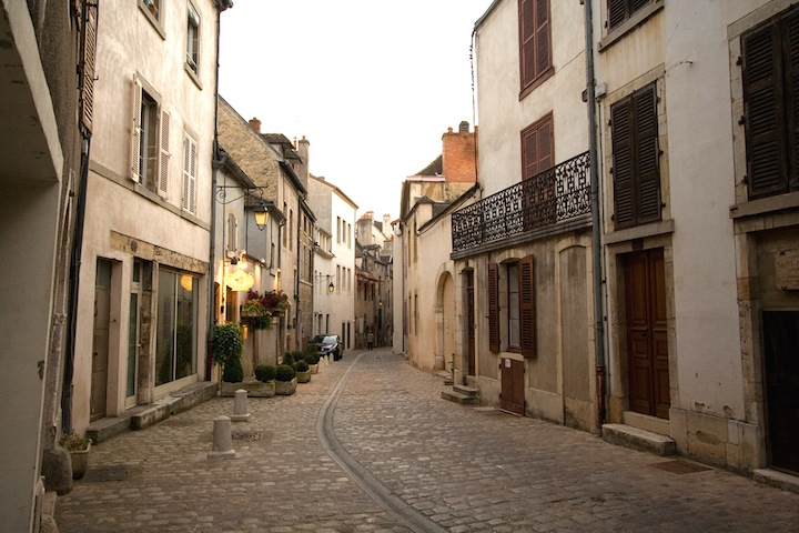 HiP Paris Blog, Finding a French Countryhouse,  Dan Zink