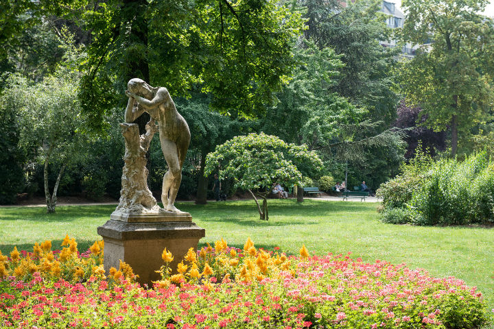 Exploring the Hidden Gems of Paris' Chic 16th Arrondissement, where you'll find the Ranelagh park with lots of beautiful trees, flowerbeds and statues.