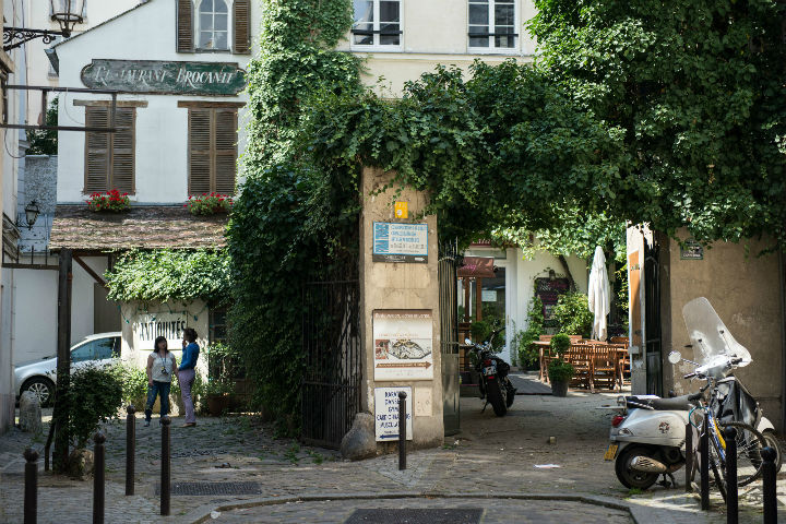 10 Reasons to Love August in Paris