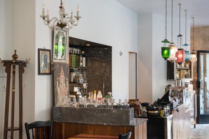 Indian Restaurants in Paris, MG Road Interior
