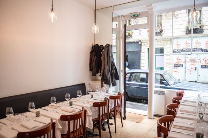 Le Timbre Restaurant, Interior Tables, Paris, Cuisine