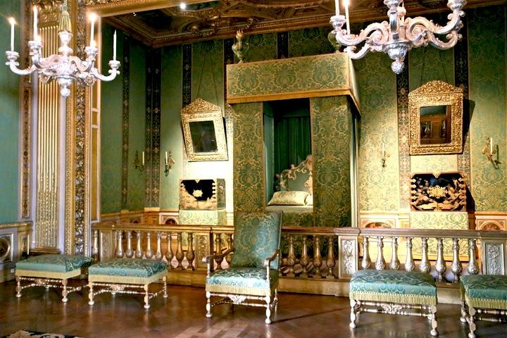 Paris Day Trips, Bedroom at Vaux-le-Vicomte, Chateau Visit