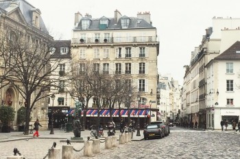 "Romantic Paris: Celebrate Valetine's Day in the City of Love with Selections from ""That's Paris"" Short Stories"