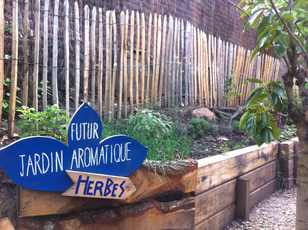 Community Gardens in Paris: Fresh, Seasonal Fruits and Vegetables and Neighborhood Parties