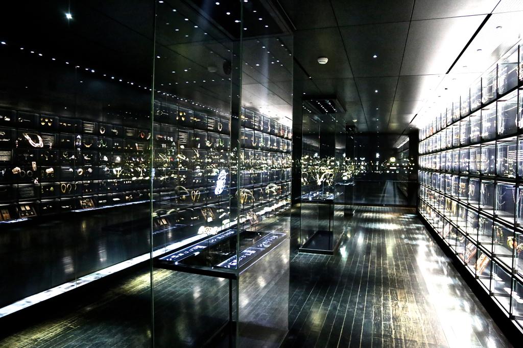 Hip paris blog all that glitters paris for lovers of fine jewelry - Musee art decoratif paris horaires ...
