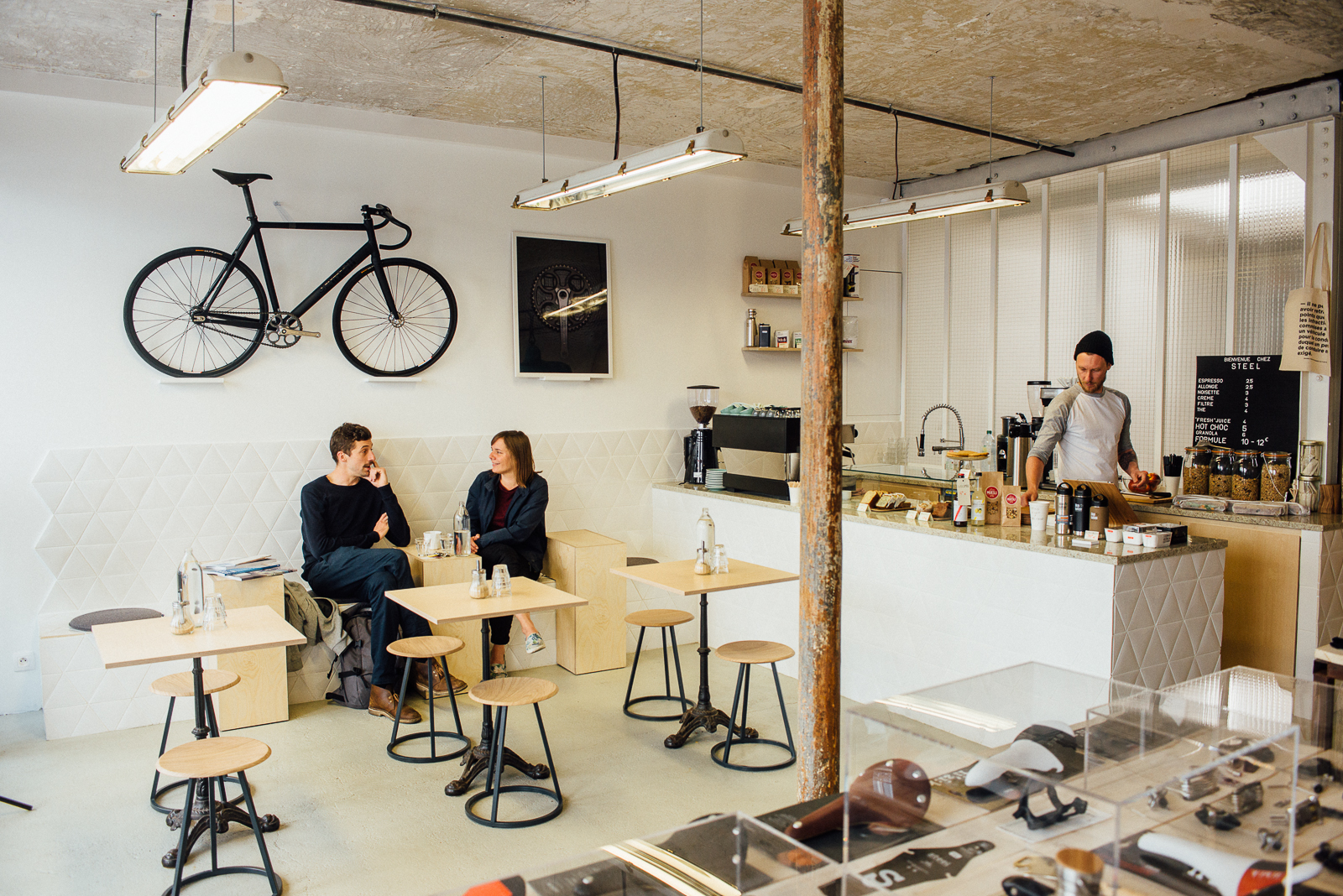 Hip paris blog paris new breed of concept coffee shops for Little hip boutique
