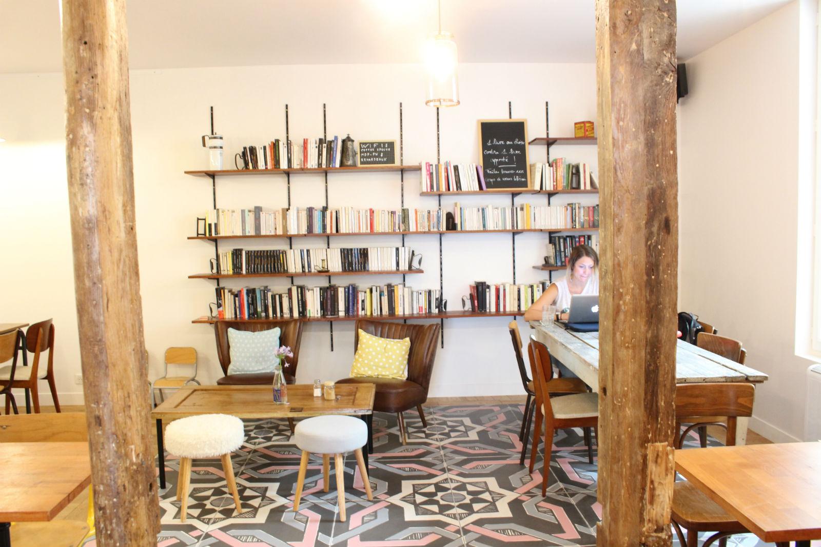 HiP Paris blog. Coffee Spoune. Spacious back room.