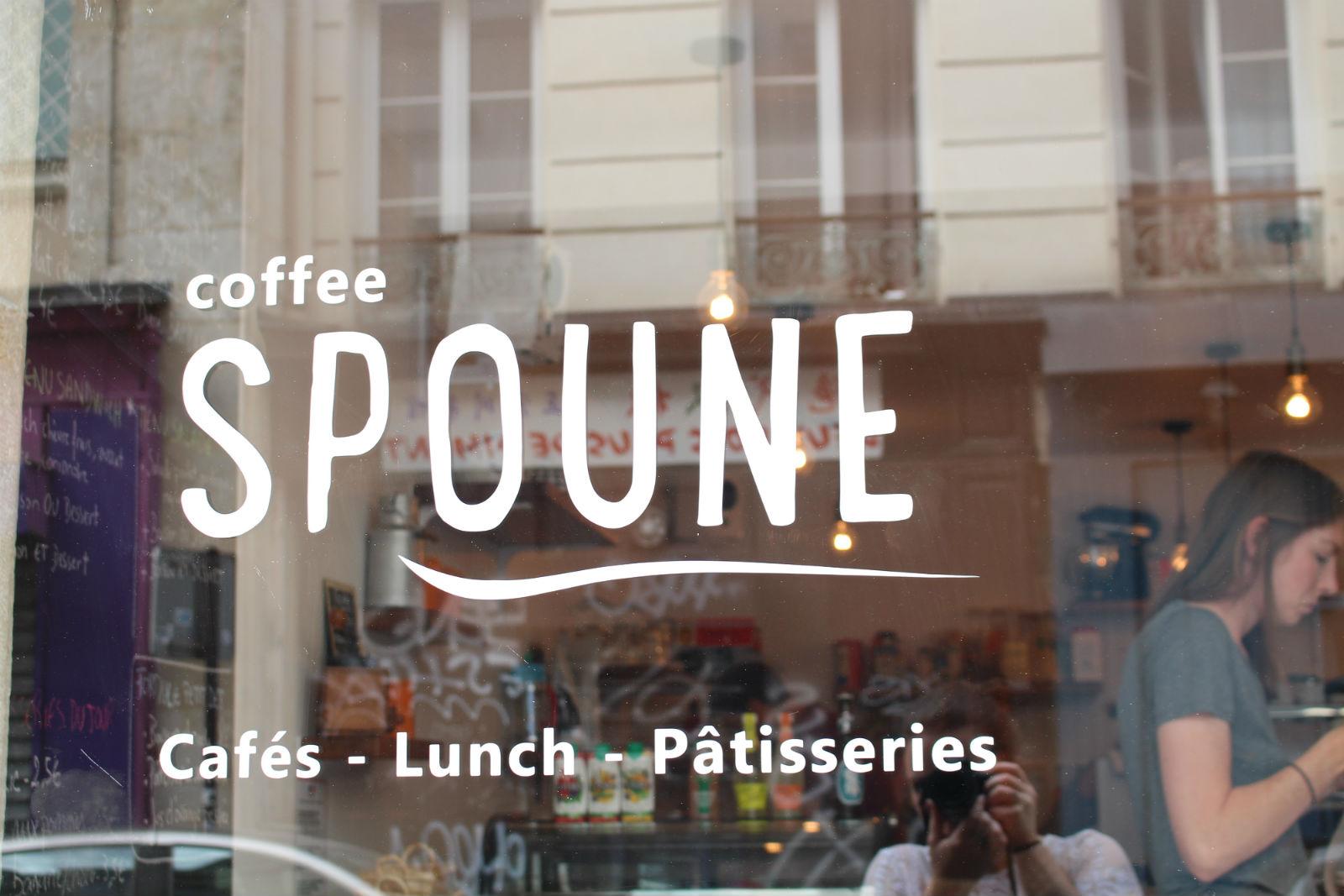 HiP Paris blog. Coffee Spoune. Looking in the window.