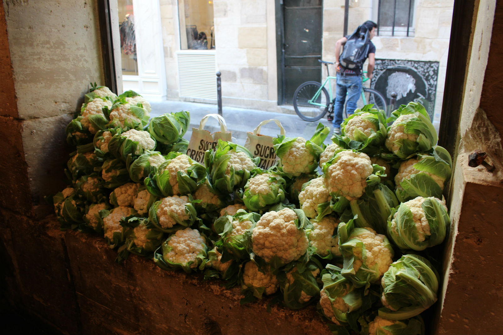 HiP Paris blog. Miznon. Cauliflower heads just waiting to be grilled.