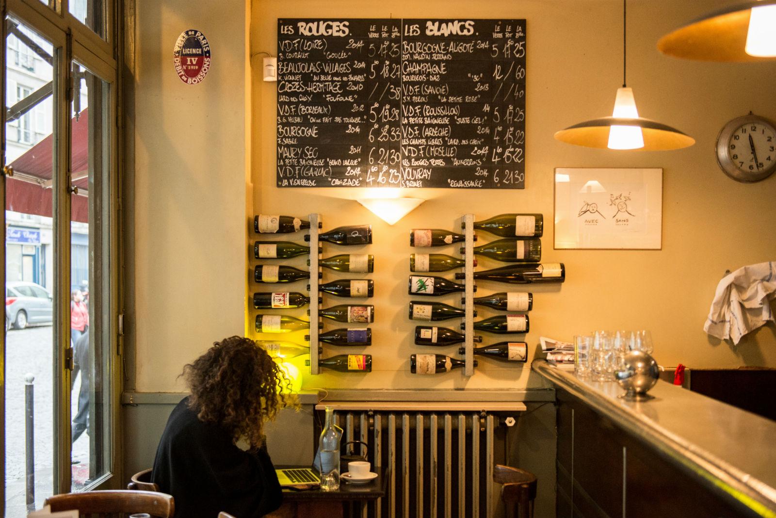HiP Paris blog. Cafe de la Nouvelle Mairie. Counter decor.