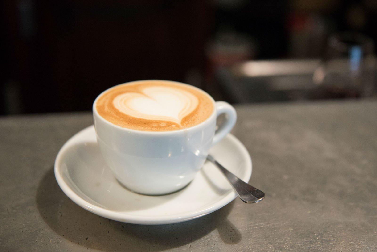 HiP Paris blog. Cafe de la Nouvelle Mairie. Latte love