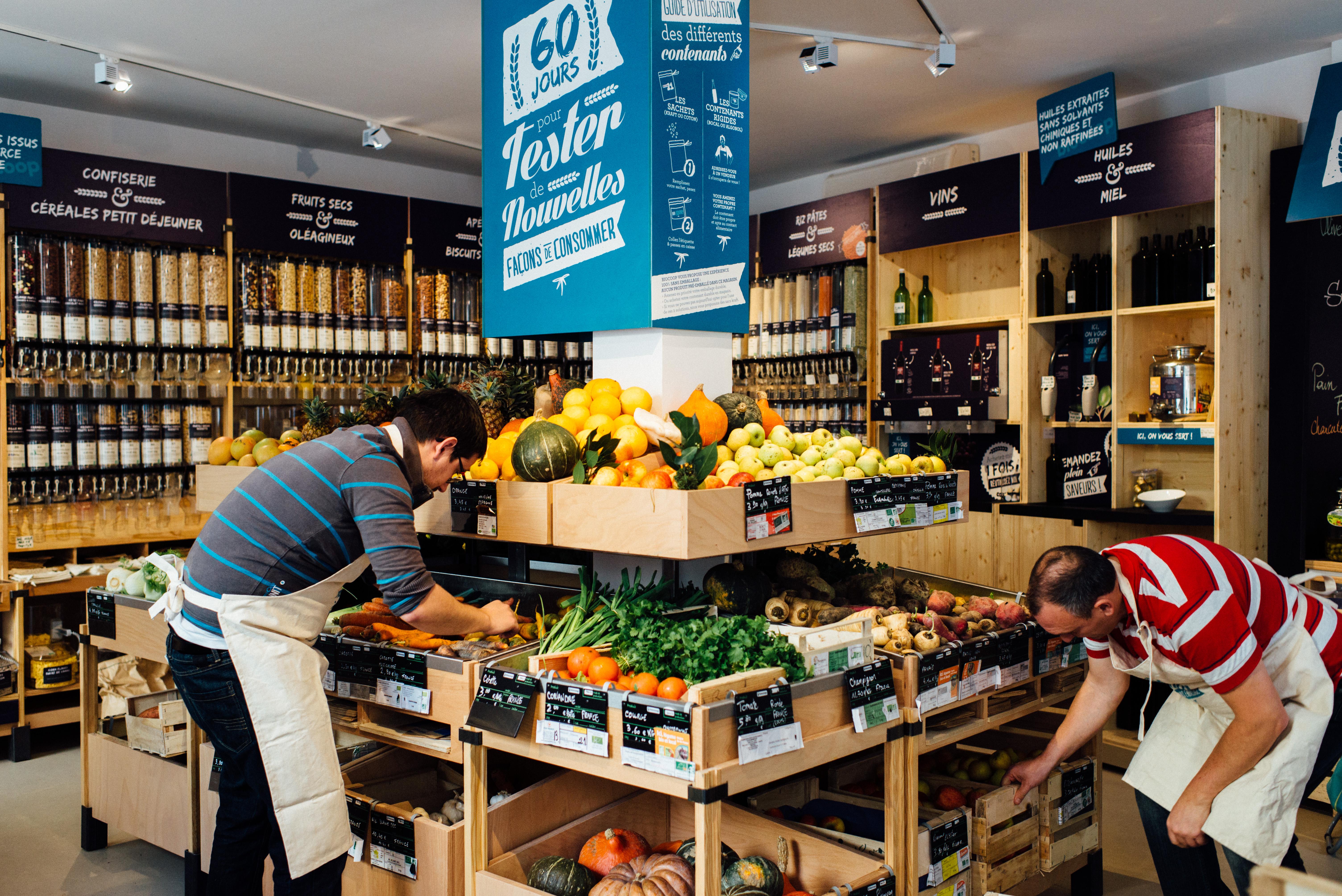 le 13 novembre 2015, à l'occasion de la coop 21 les magasins biocoop ont ouvert un magasin ephèmere ou les emballages sont proscrits, paris (75).