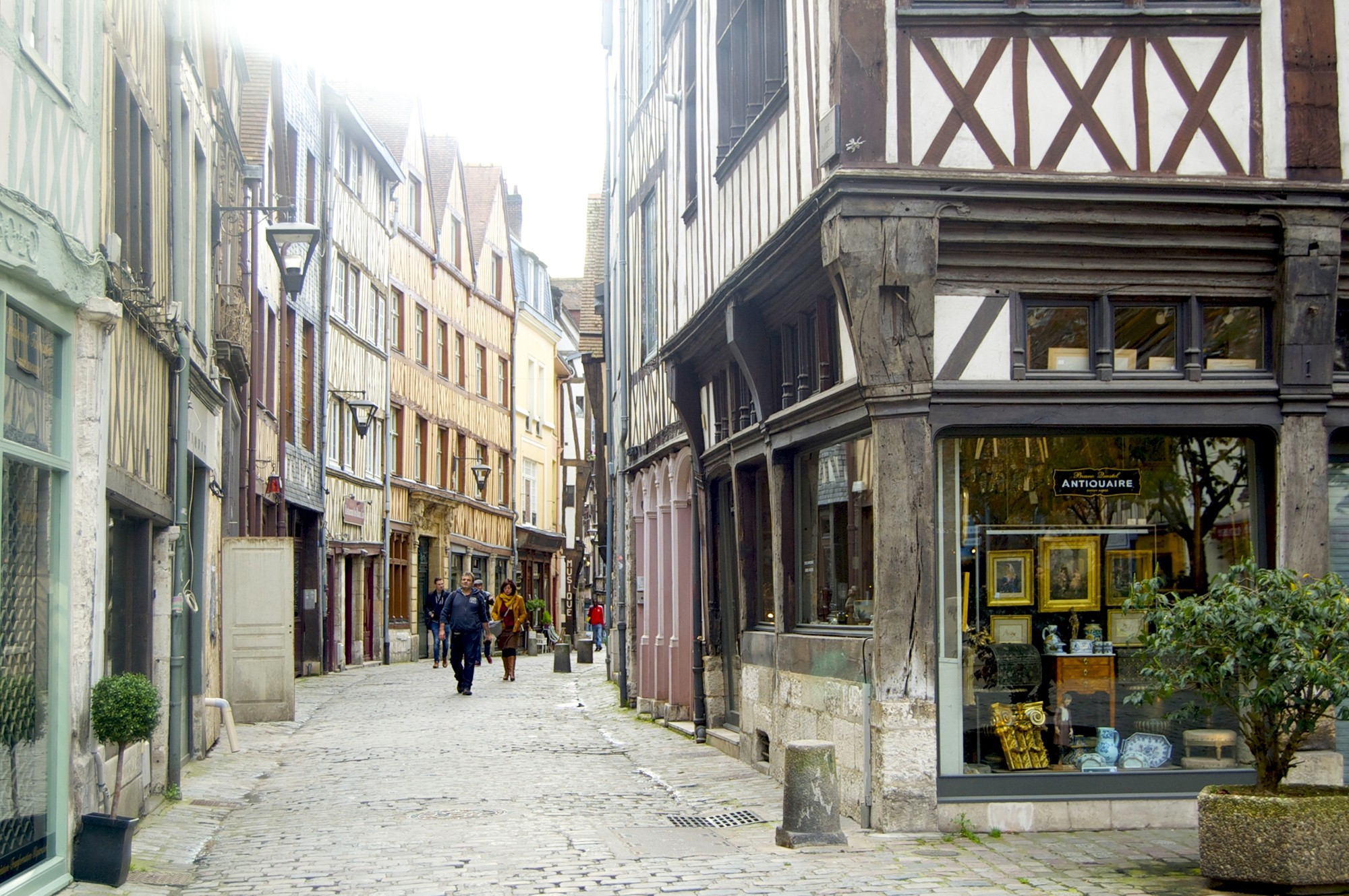 Rouen Roaming
