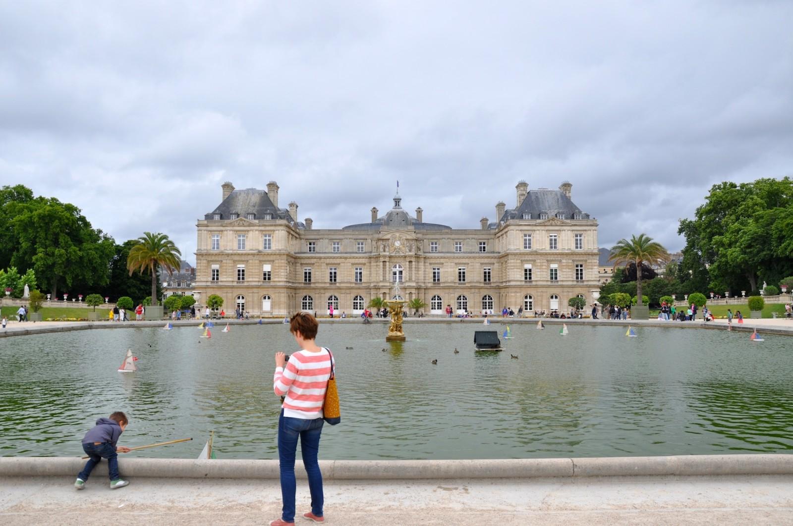 HiP Paris Blog explores being an expat mom in Paris.