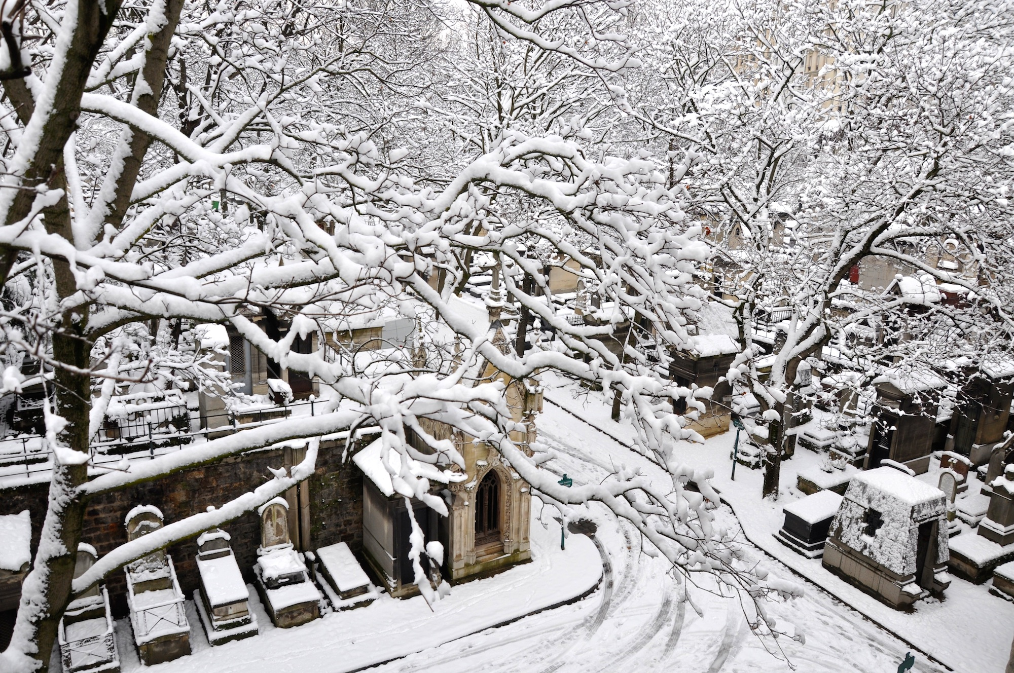 HiP Paris Blog covers the recent snowfall in Paris
