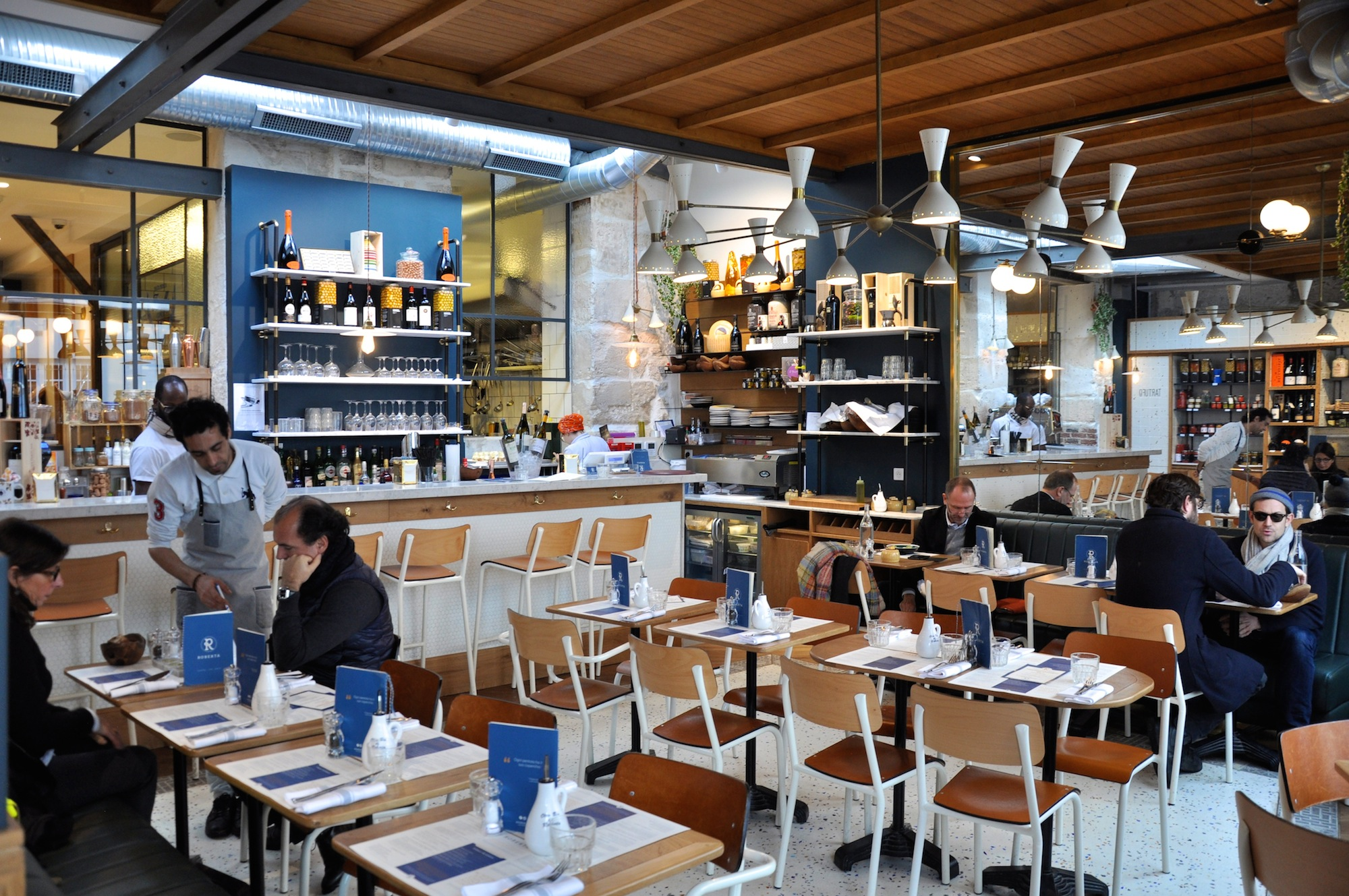 One of the best Italian restaurants in Paris' Montmartre, is Roberta, for its homemade pasta and pizza and canteen style interiors.