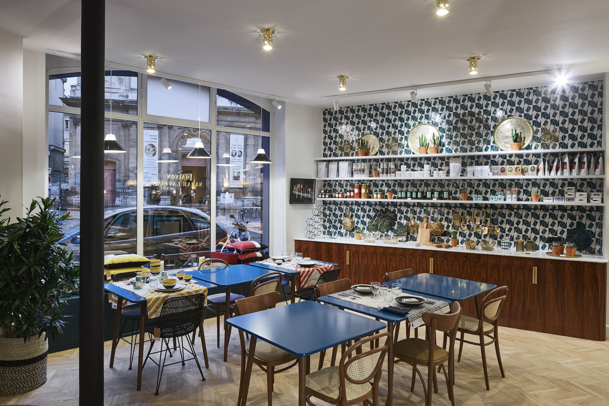 Hip paris blog beyond colette paris concept store shopping and dining bliss - Sarah lavoine place des victoires ...